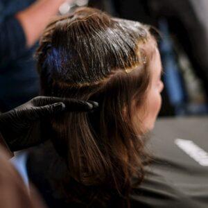 塗洗髮精示意圖