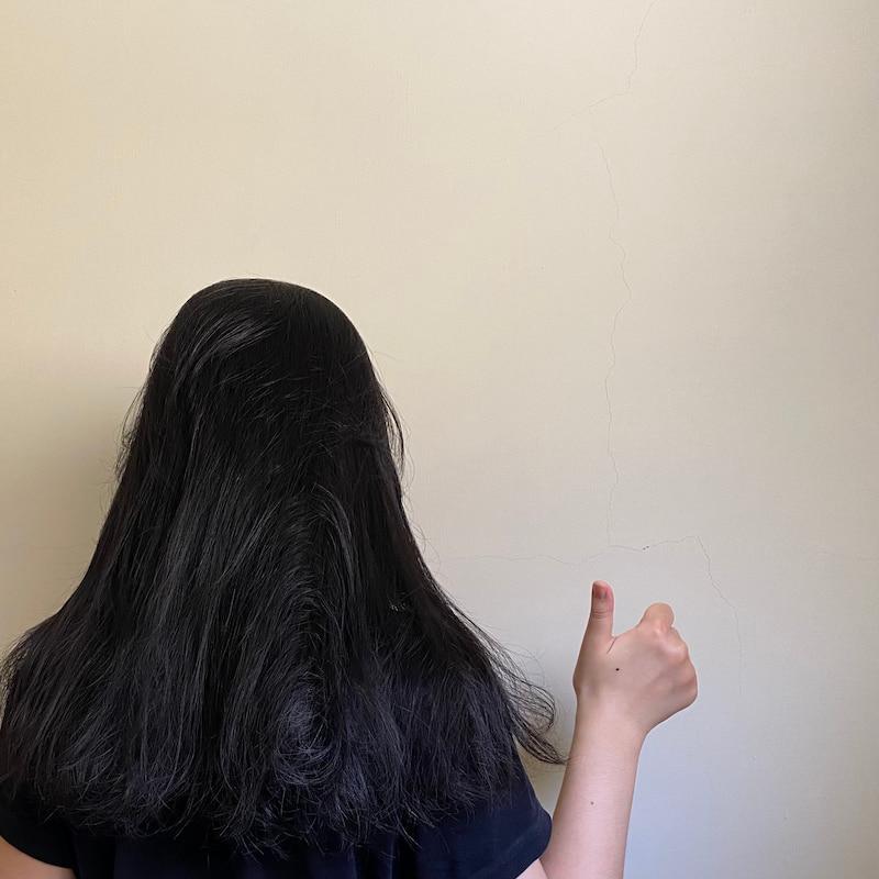 亂亂、蓬鬆的頭髮更適合均勻的塗髮油